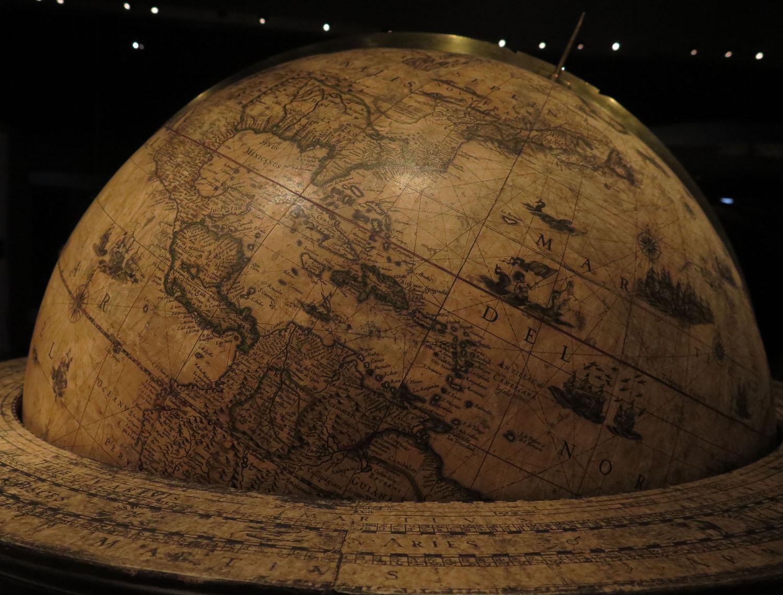 ermany-dresden-zwinger-museum-globe