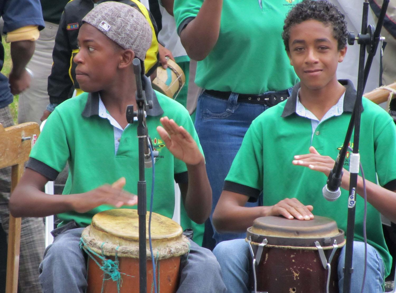 Ecuador-Quito-Plaza-Drummers