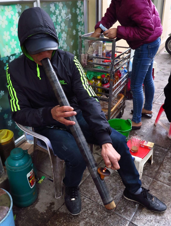 Vietnam-Hanoi-Street-Scenes-Smoking-Pipe