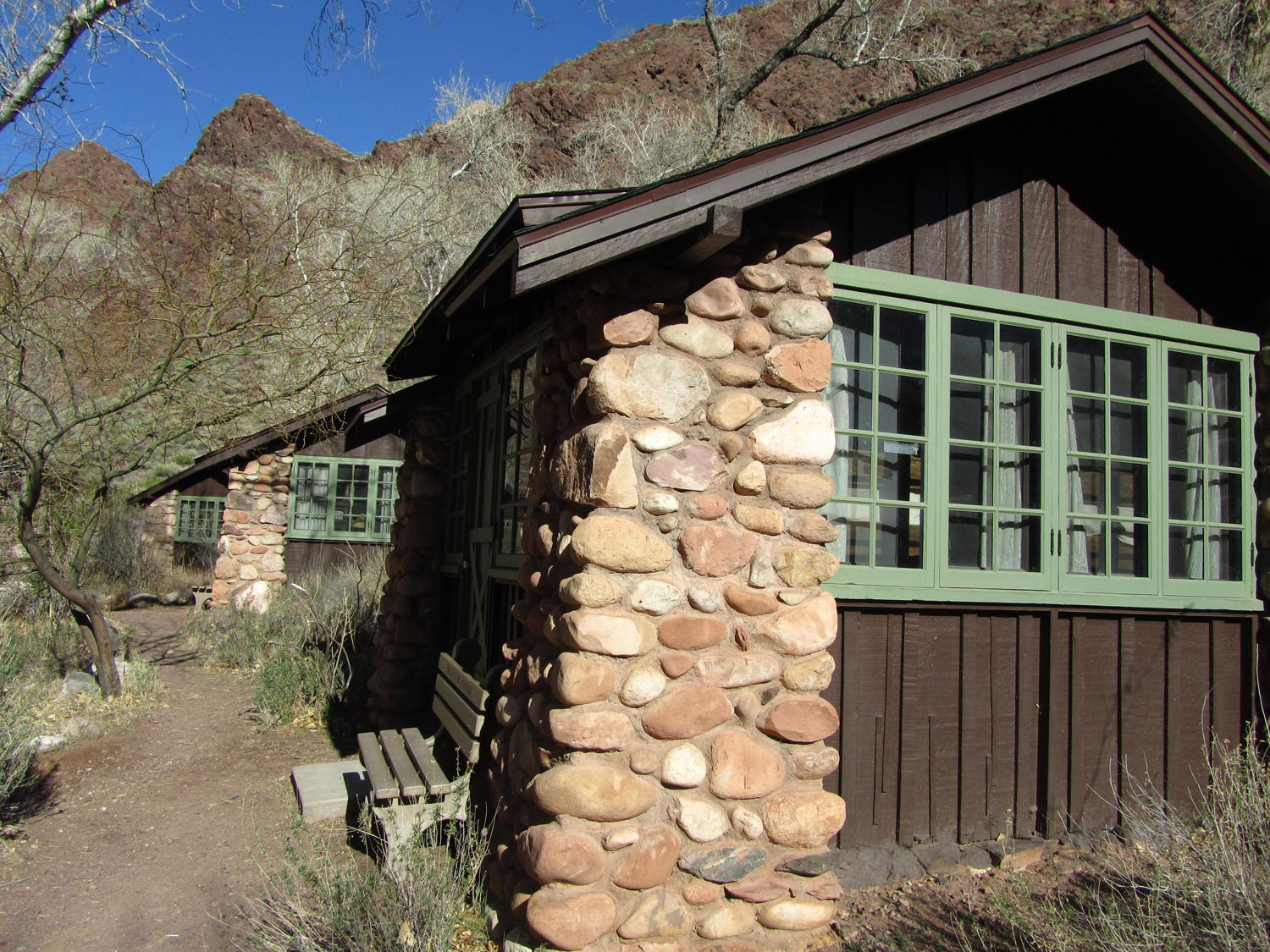 Grand-Canyon-Phantom-Ranch-Cabins
