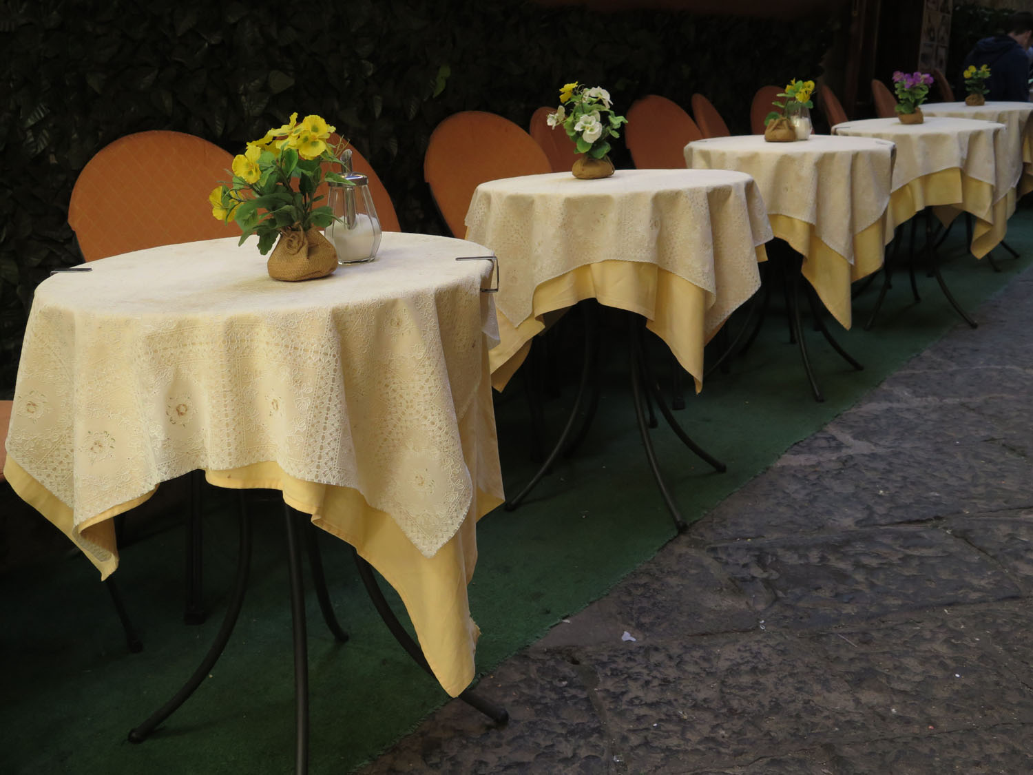 Italy-Sorrento-Tables
