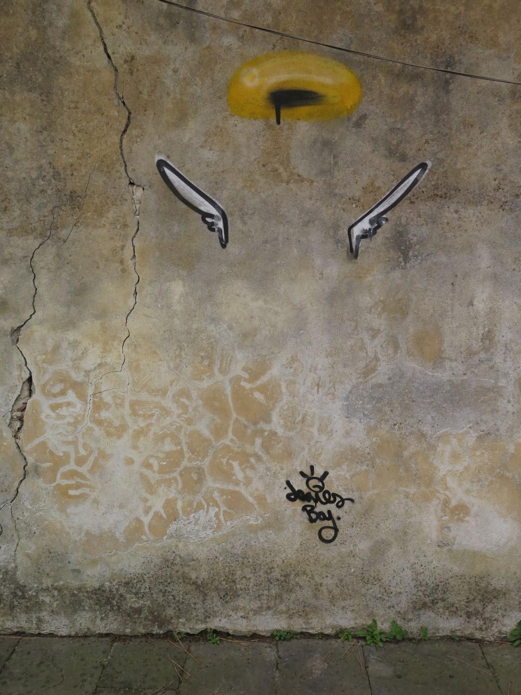 Italy-Pisa-Street-Scenes-Angel