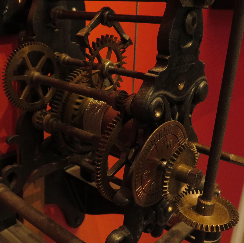 germany-dresden-zwinger-museum-clock