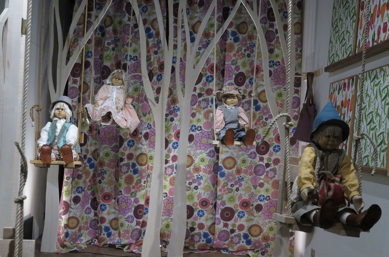Italy-Orvieto-Street-Scenes-Dolls
