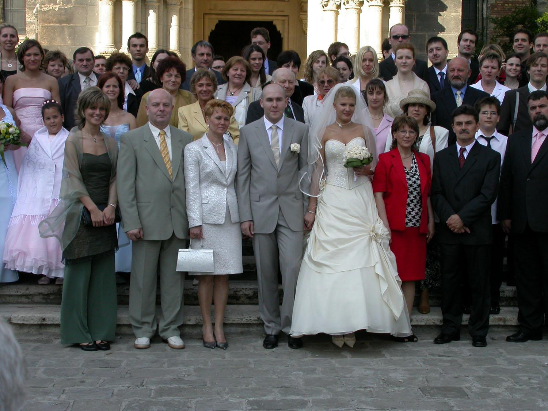 Hungary-Budapest-Street-Scenes-Wedding