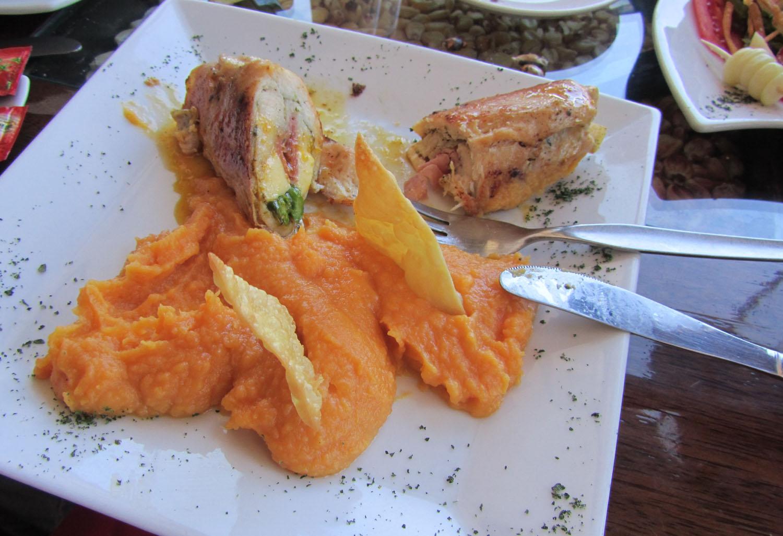 Peru-Cusco-Food-And-Drink-Pollo-Relleno