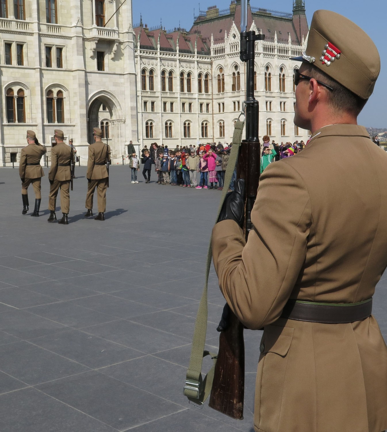 Hungary-Budapest-Parliament-Changing-Of-The-Guard
