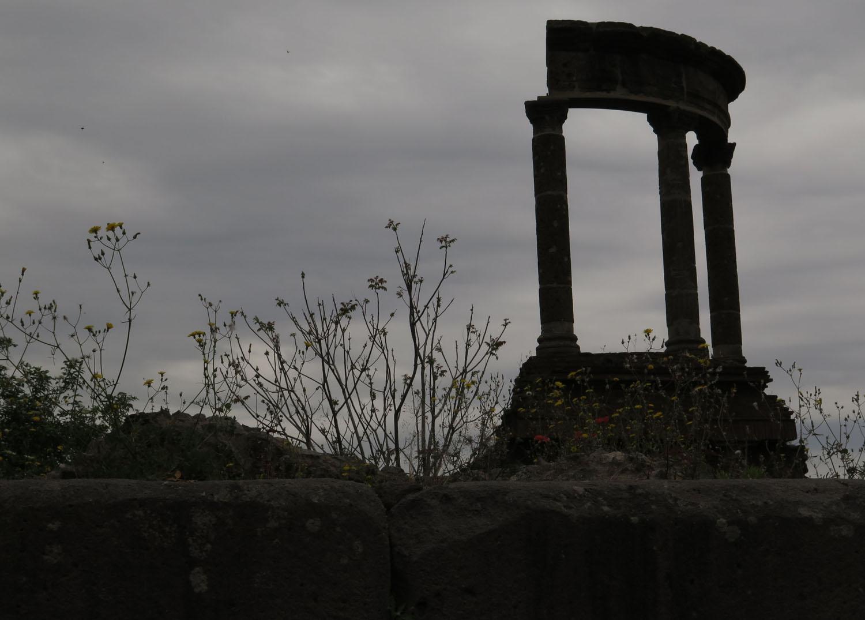 Italy-Pompeii-Columns