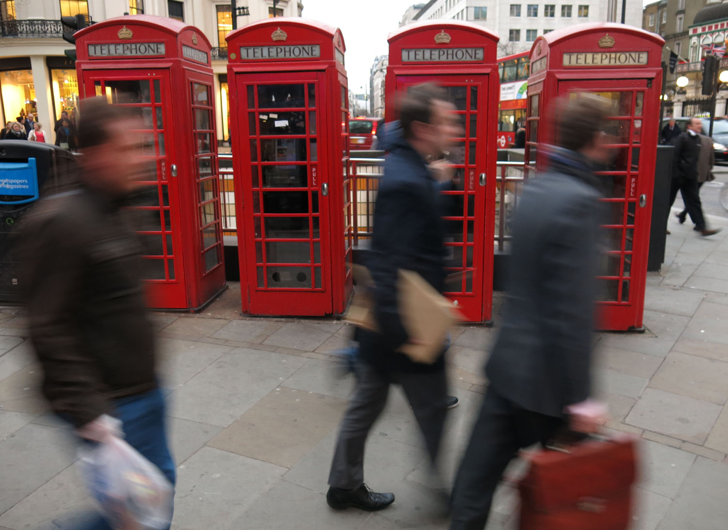 England-London-Street-Scenes-Telephone-Booths