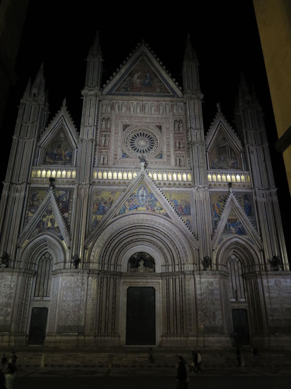Italy-Orvieto-Duomo-Night