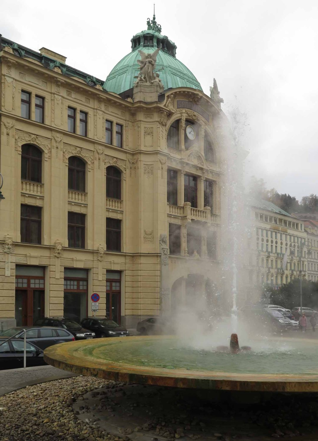 Czech-Republic-Karlovy-Vary-Hot-Spring-Fountain