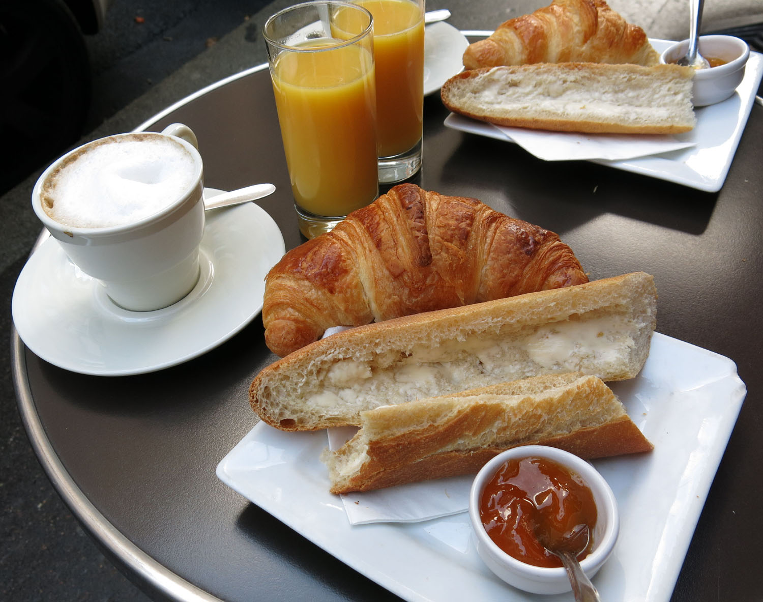 France-Paris-Food-And-Drink-Breakfast