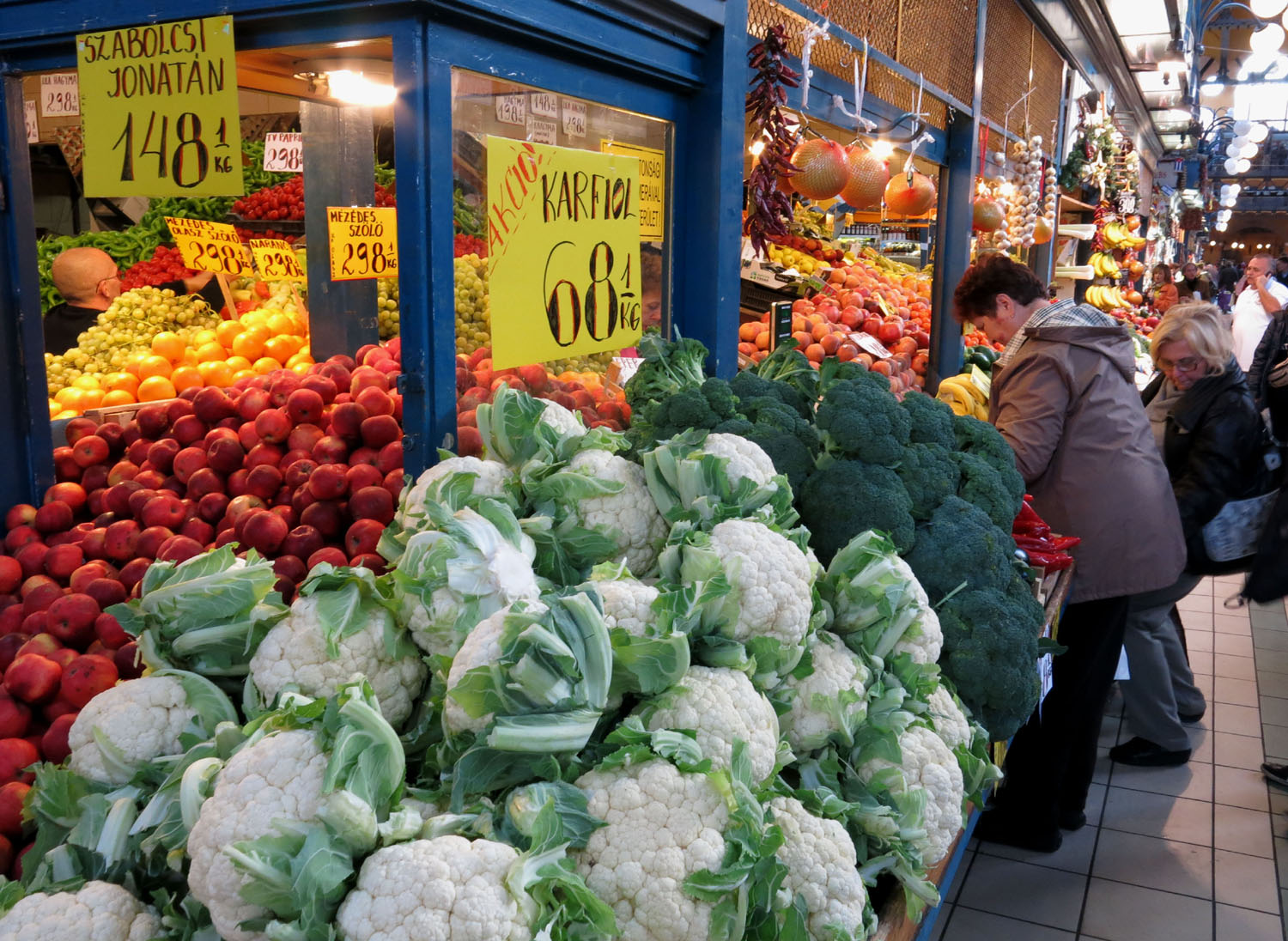 Hungary-Budapest-Great-Market-Hall-Vegetables