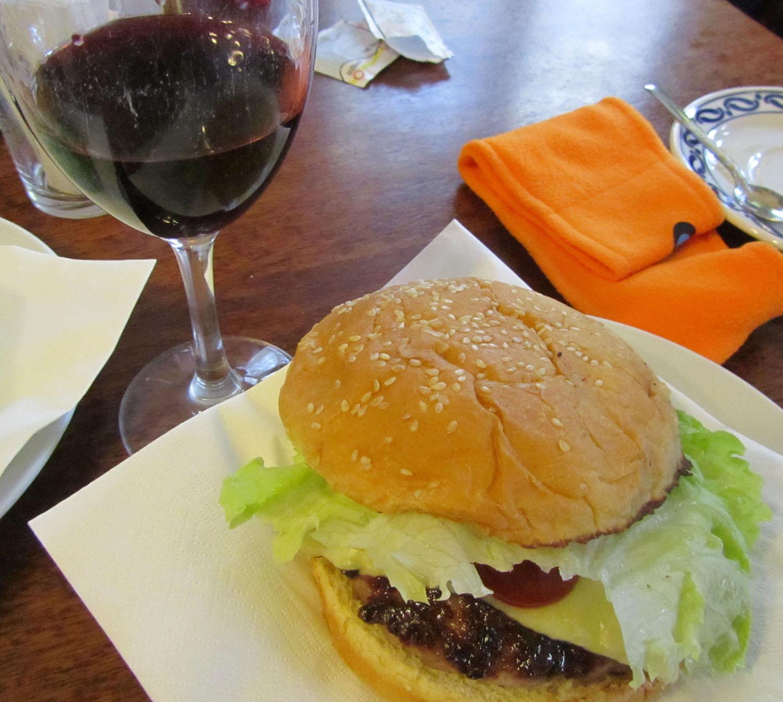 Camino-De-Santiago-Food-And-Drink-Hamburguesa