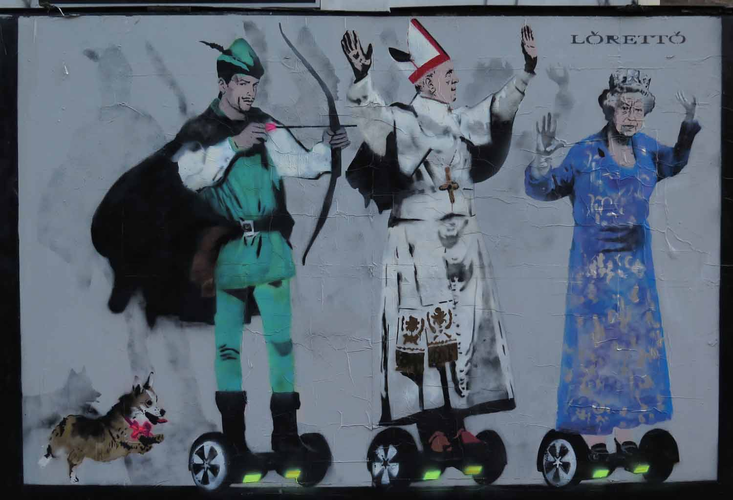 England-London-Street-Scenes-Robin-Hood-Pope-Queen