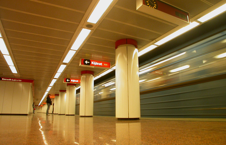 Hungary-Budapest-Metro-Blur