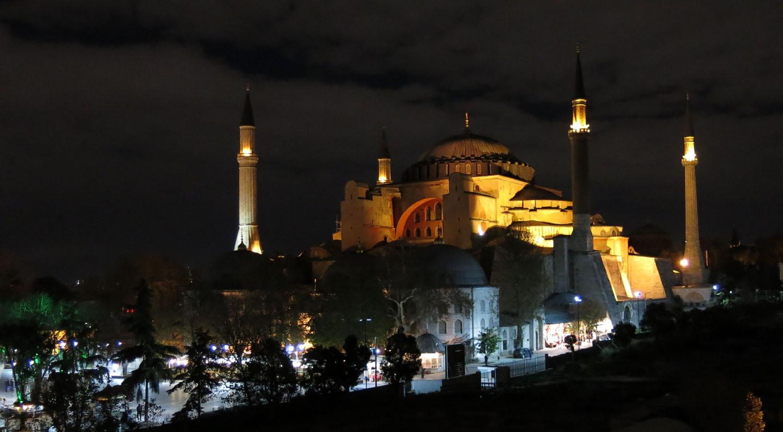 Turkey-Istanbul-Hagia-Sofia-Night