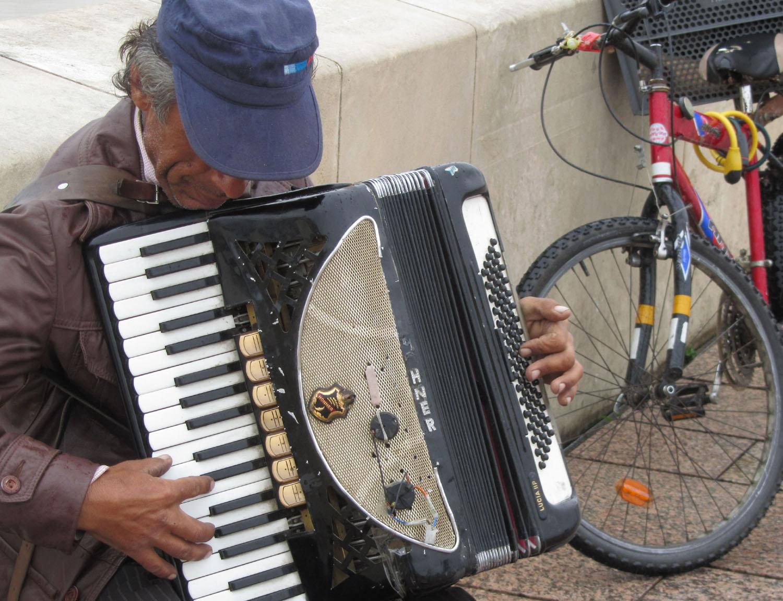 Spain-Cordoba-Musician