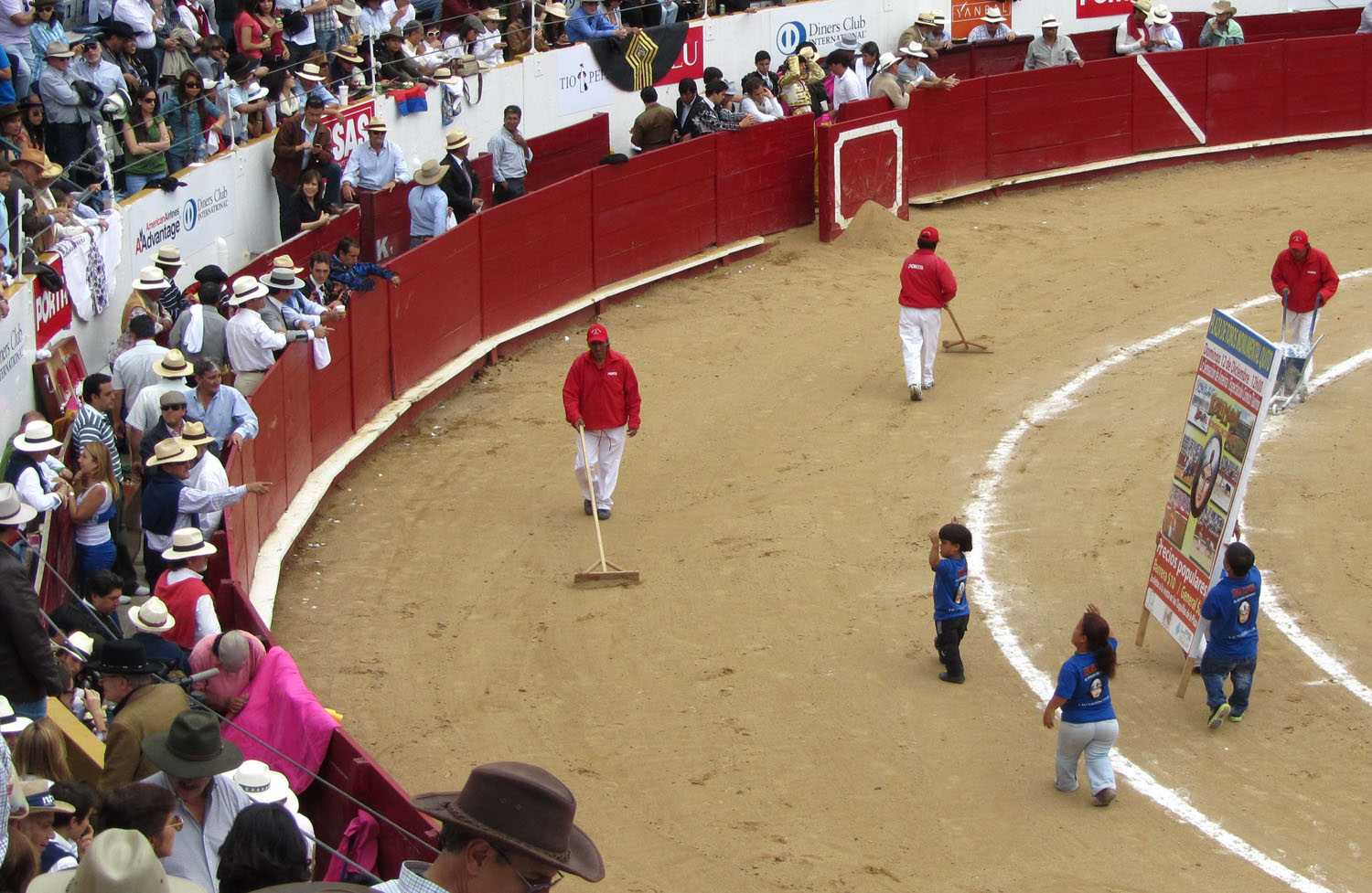 Ecuador-Quito-Bullfight-Halftime