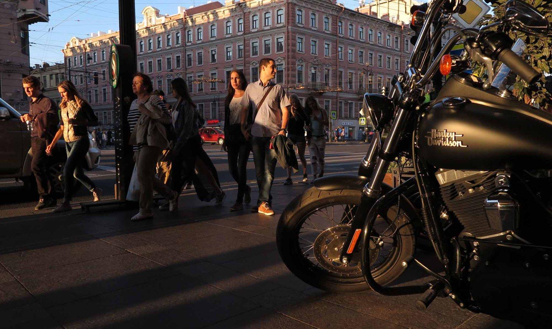 Russia-Saint-Petersburg-Nevsky-Prospekt-Harley-Davidson