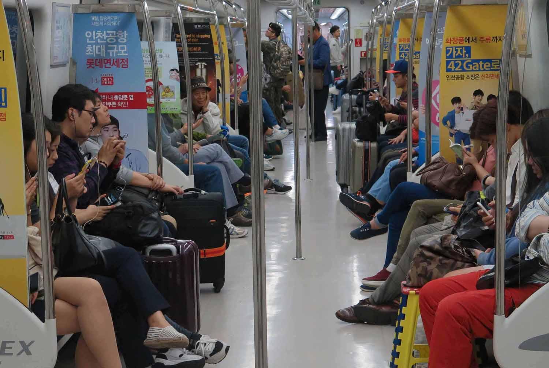Korea-Seoul-Metro-Passengers