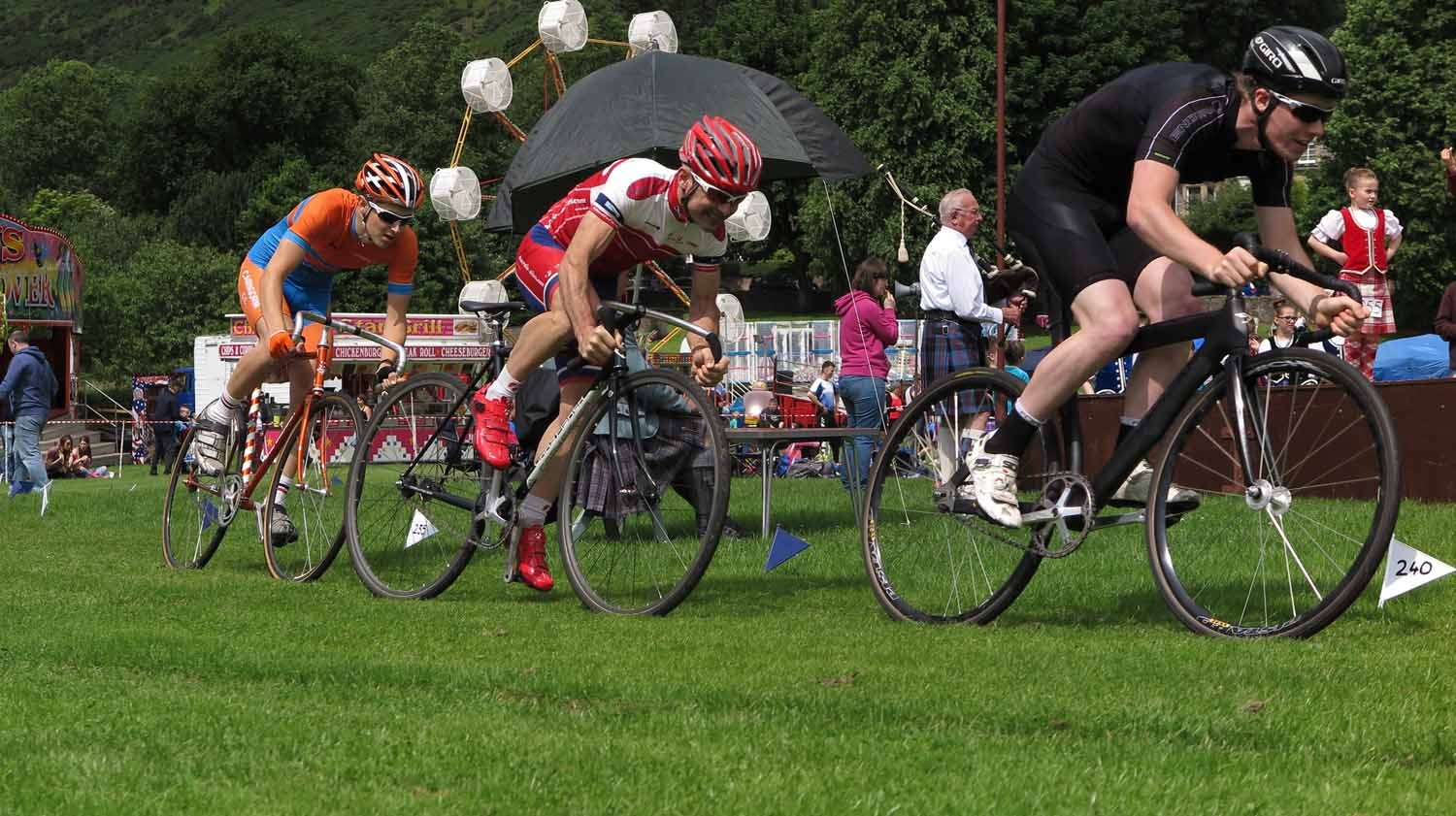 Scotland-Highlands-Highland-Games-Alva-Cycling