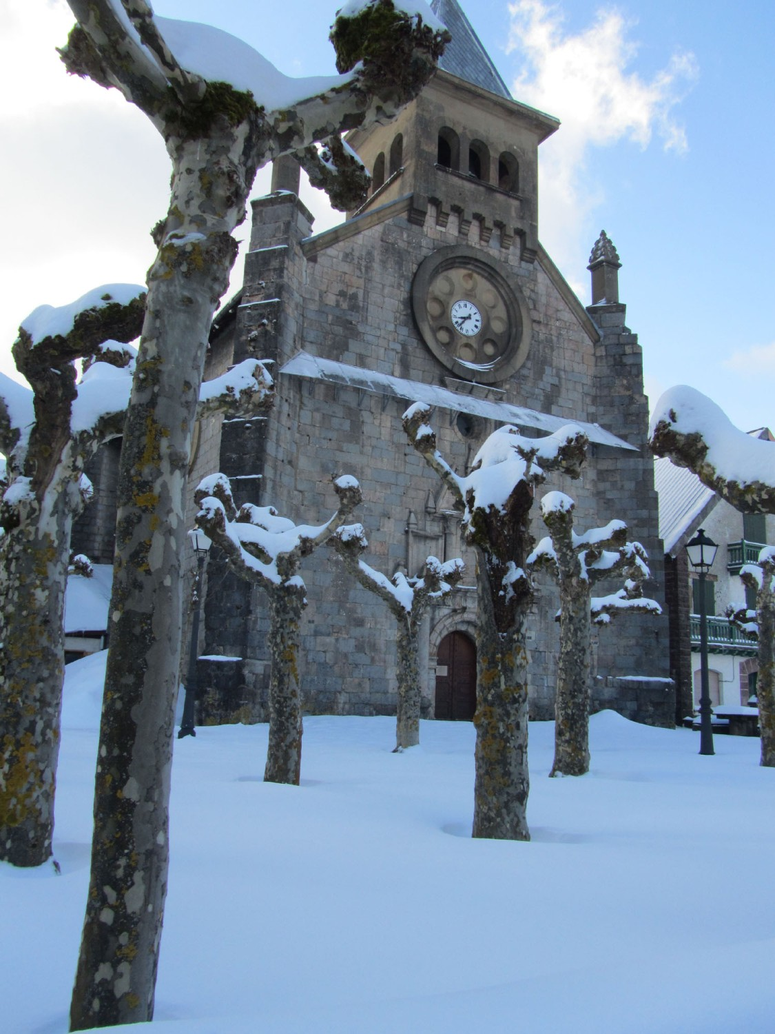 Camino-De-Santiago-Sights-And-Scenery-Roncevalles-Church