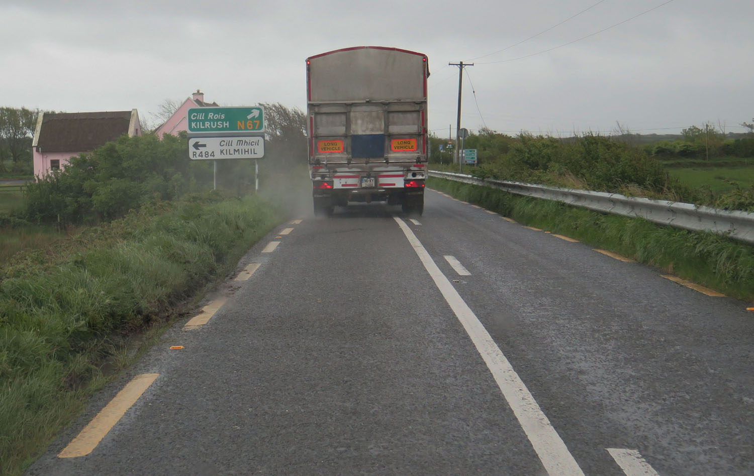 Ireland-Driving-Main-Road