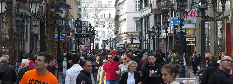 Hungary-Budapest-Street-Scenes-Vaci-Utca