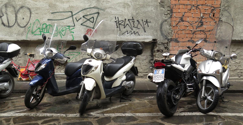 Italy-Florence-Street-Scenes-Vespas