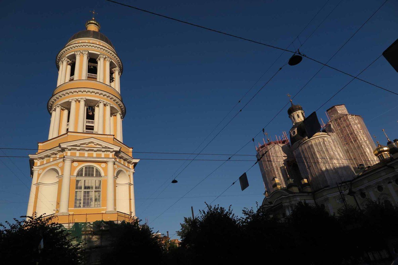 Russia-Saint-Petersburg-Street-Scenes-Churches