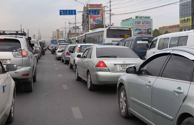 Mongolia-Ulanbator-Street-Scenes-Traffic
