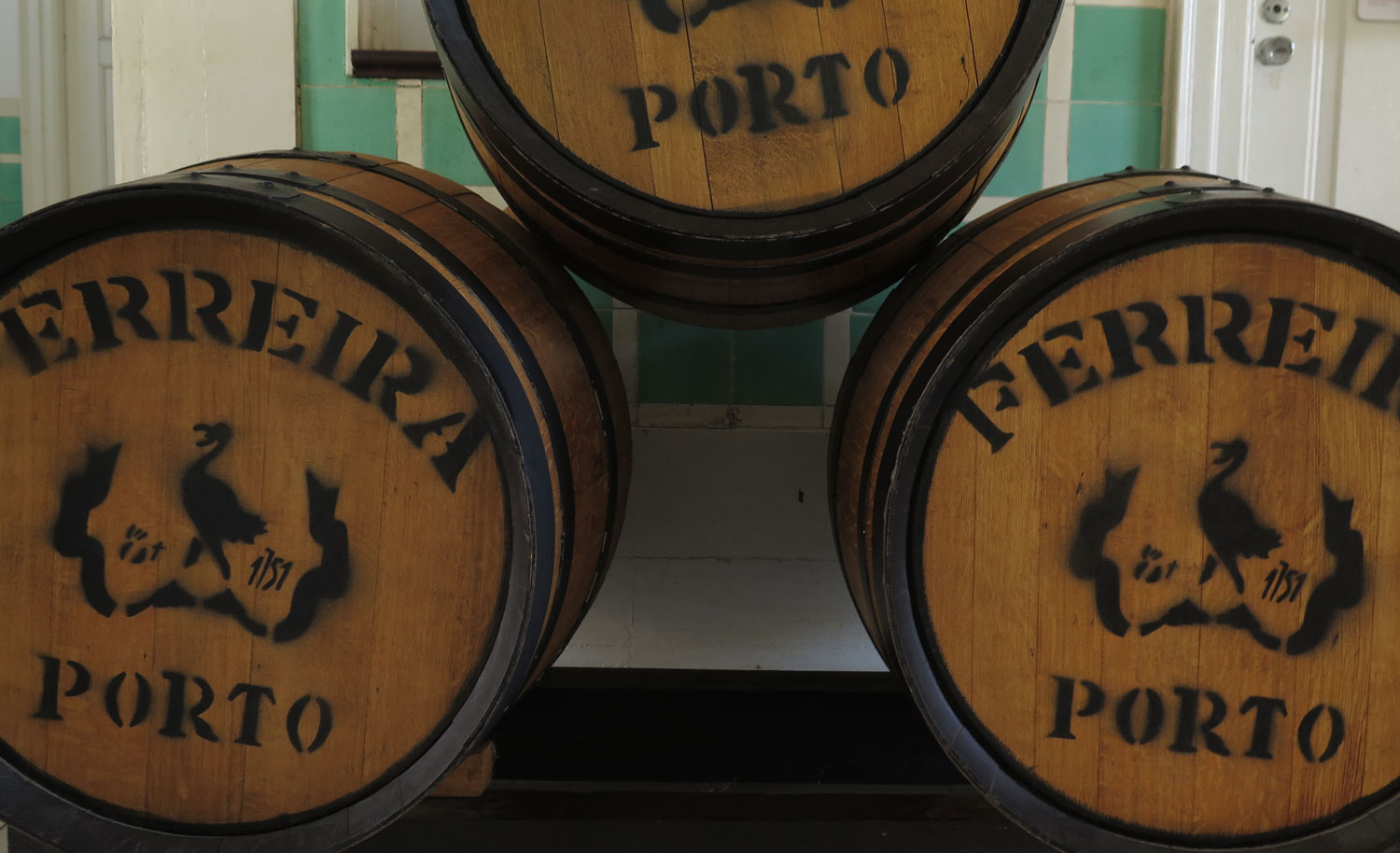 portugal-douro-valley-wine-tour-wine-barrels