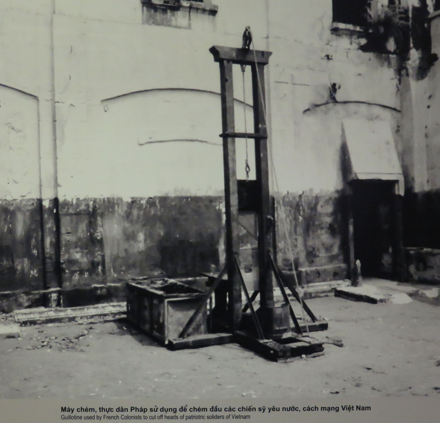 Vietnam-Hanoi-Hoa-Lo-Prison-French-Occupation-Guillotine