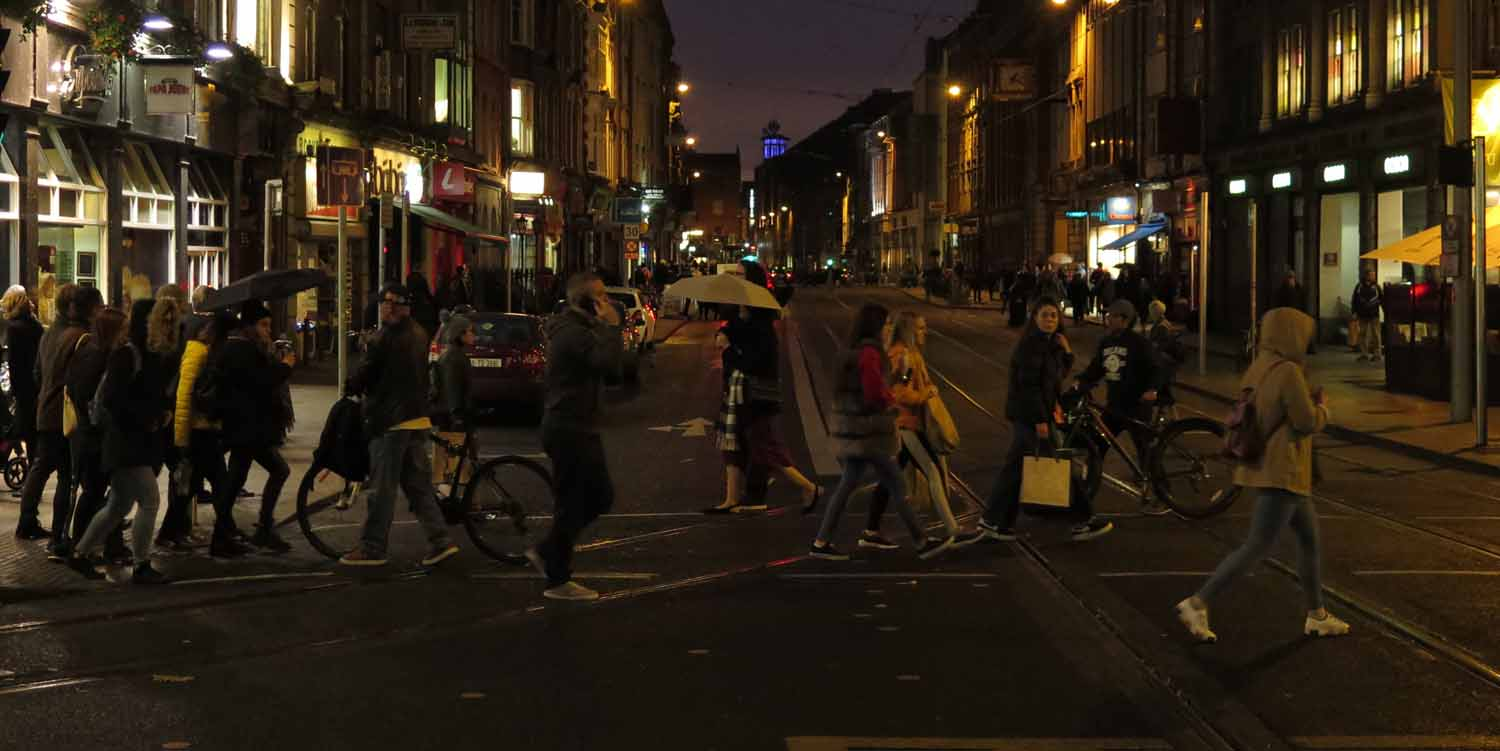 Ireland-Dublin-Streets-Scenes-Saturday-Night