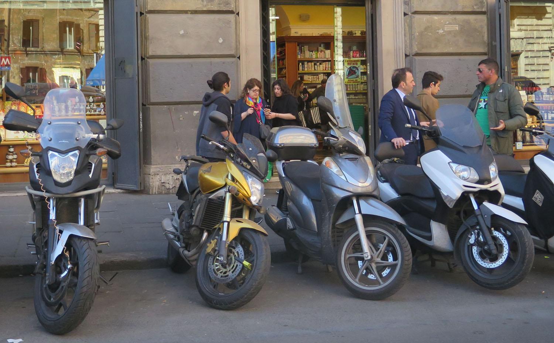 Italy-Rome-Street-Scenes-Vespas