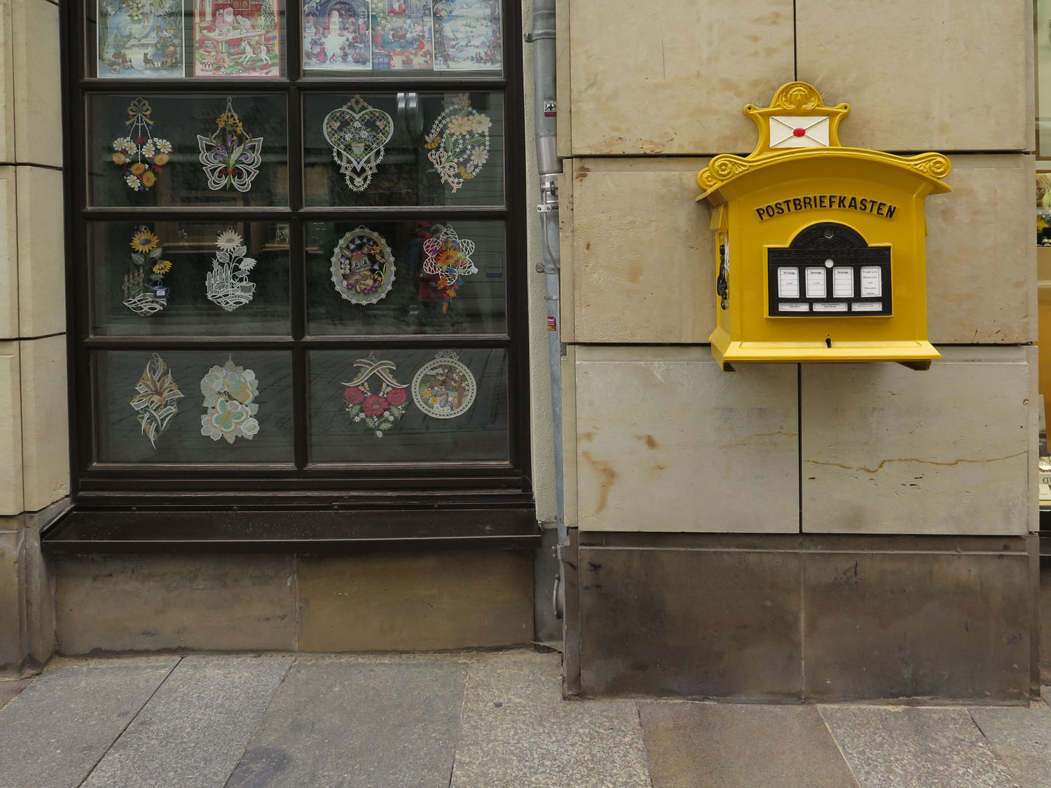 germany-dresden-mailbox