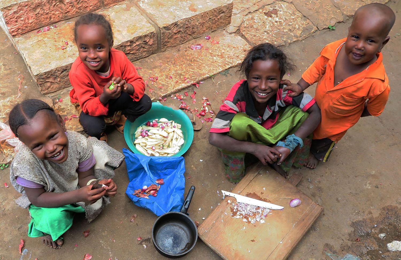 Ethiopia-Harar-Street-Scenes-Children