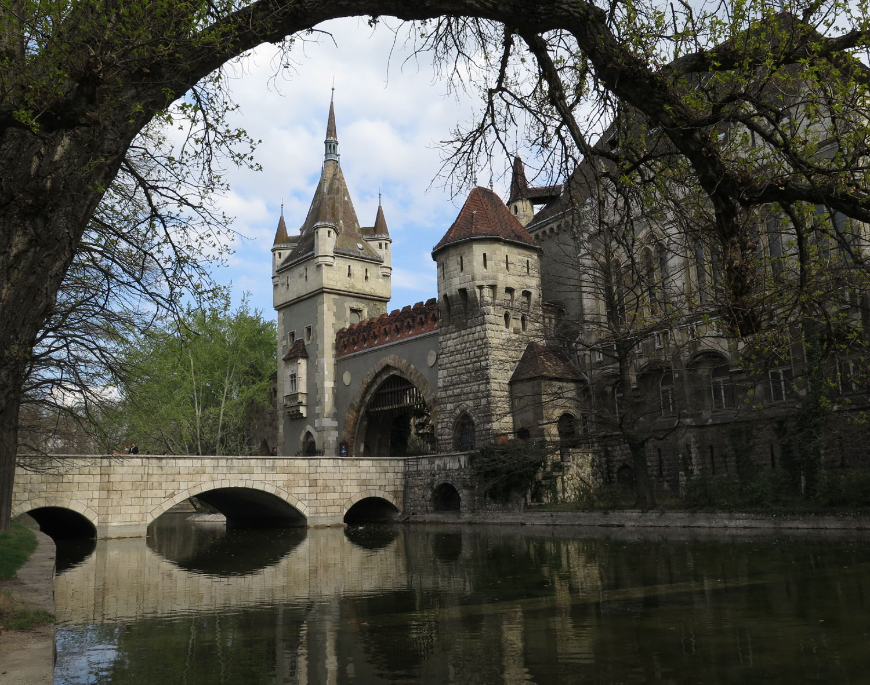 Hungary-Budapest-Millenium-Park-Vajdahunyad-Castle
