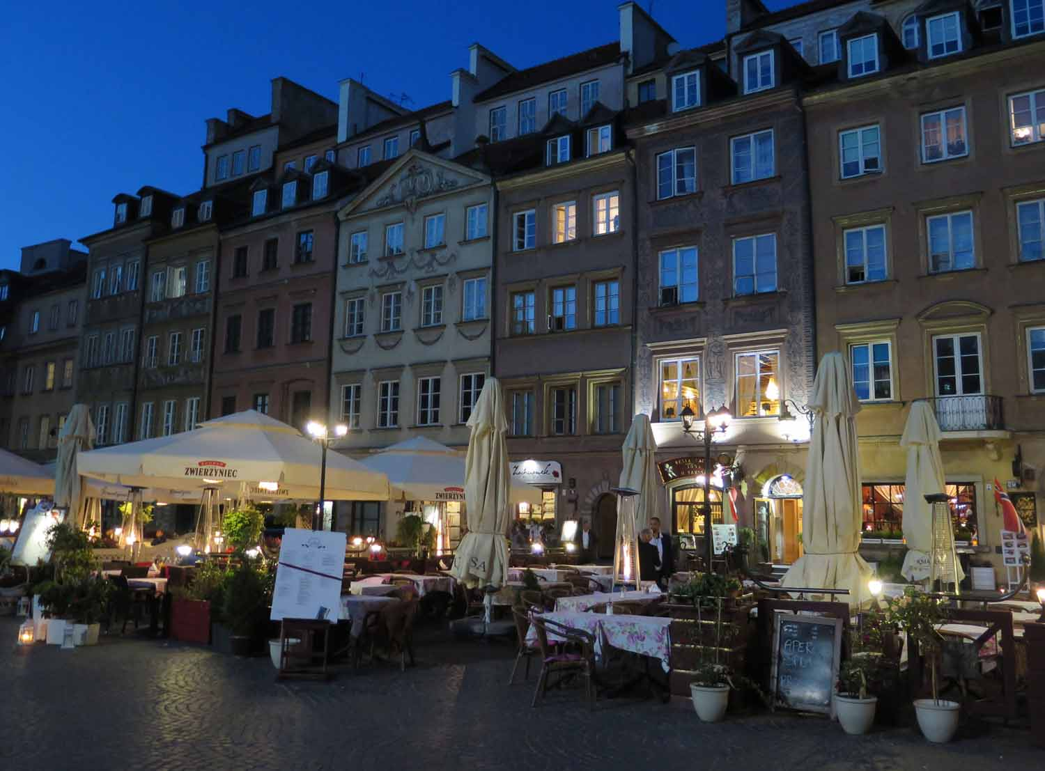 Poland-Warsaw-Old-Town-Square-Restaurants