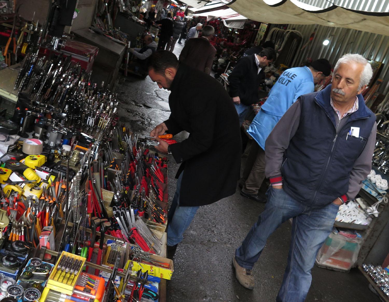 Turkey-Istanbul-Street-Scenes-Tools
