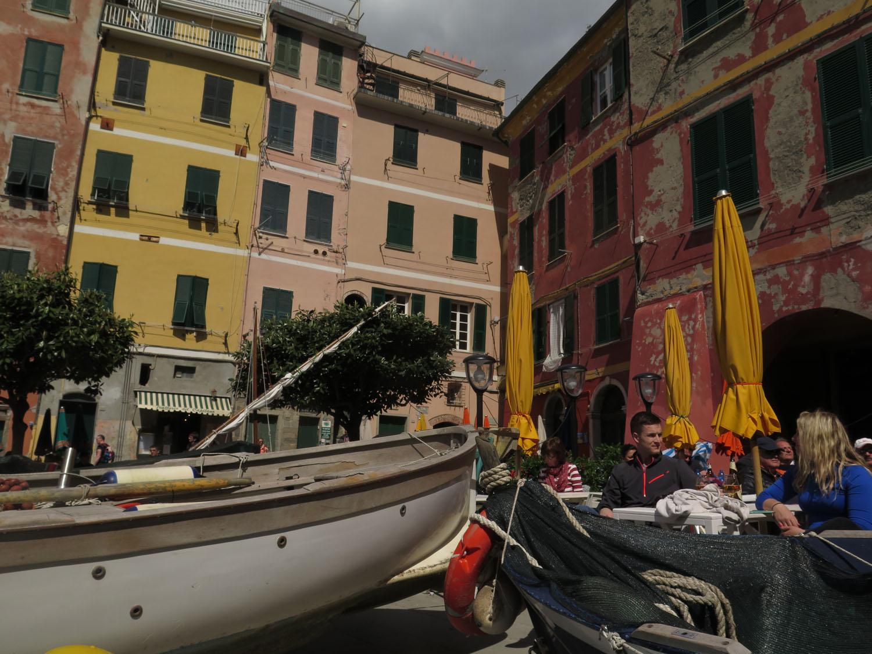 Italy-Cinque-Terre-Vernazza-Piazza-Marconi
