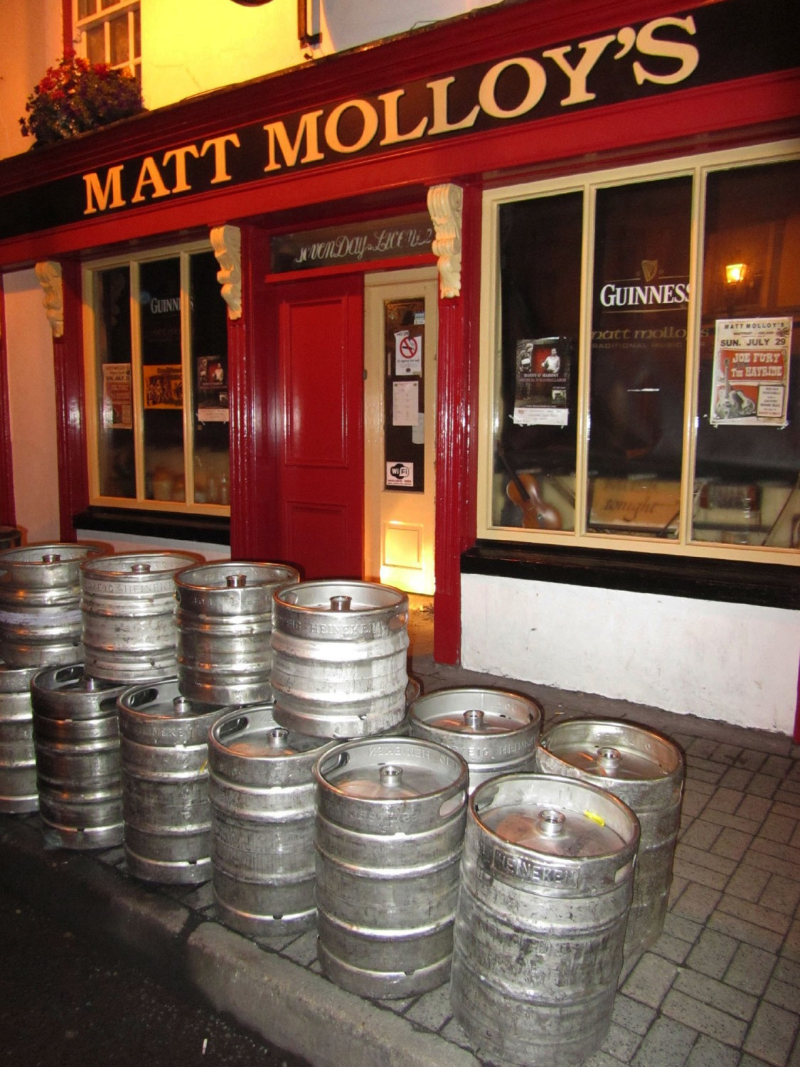 Ireland-Music-Westport-Matt-Malloys-Kegs