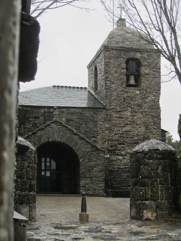 Camino-De-Santiago-Sights-And-Scenery-Cebrero-Church