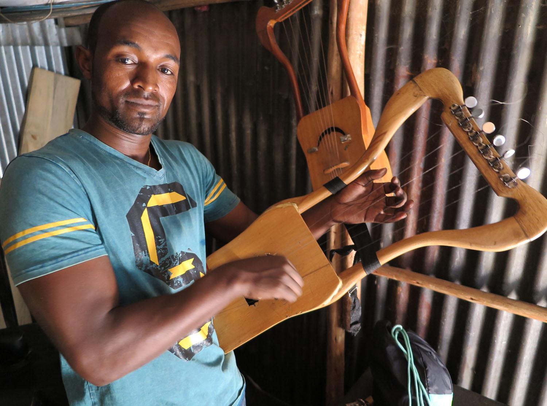 Ethiopia-Addis-Ababa-Music-Strings