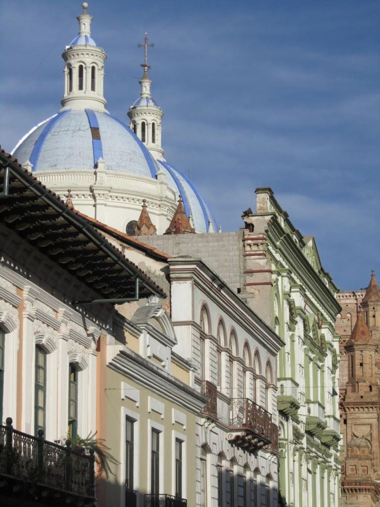 Ecuador-Cuenca-Street-Scenes-Architecture