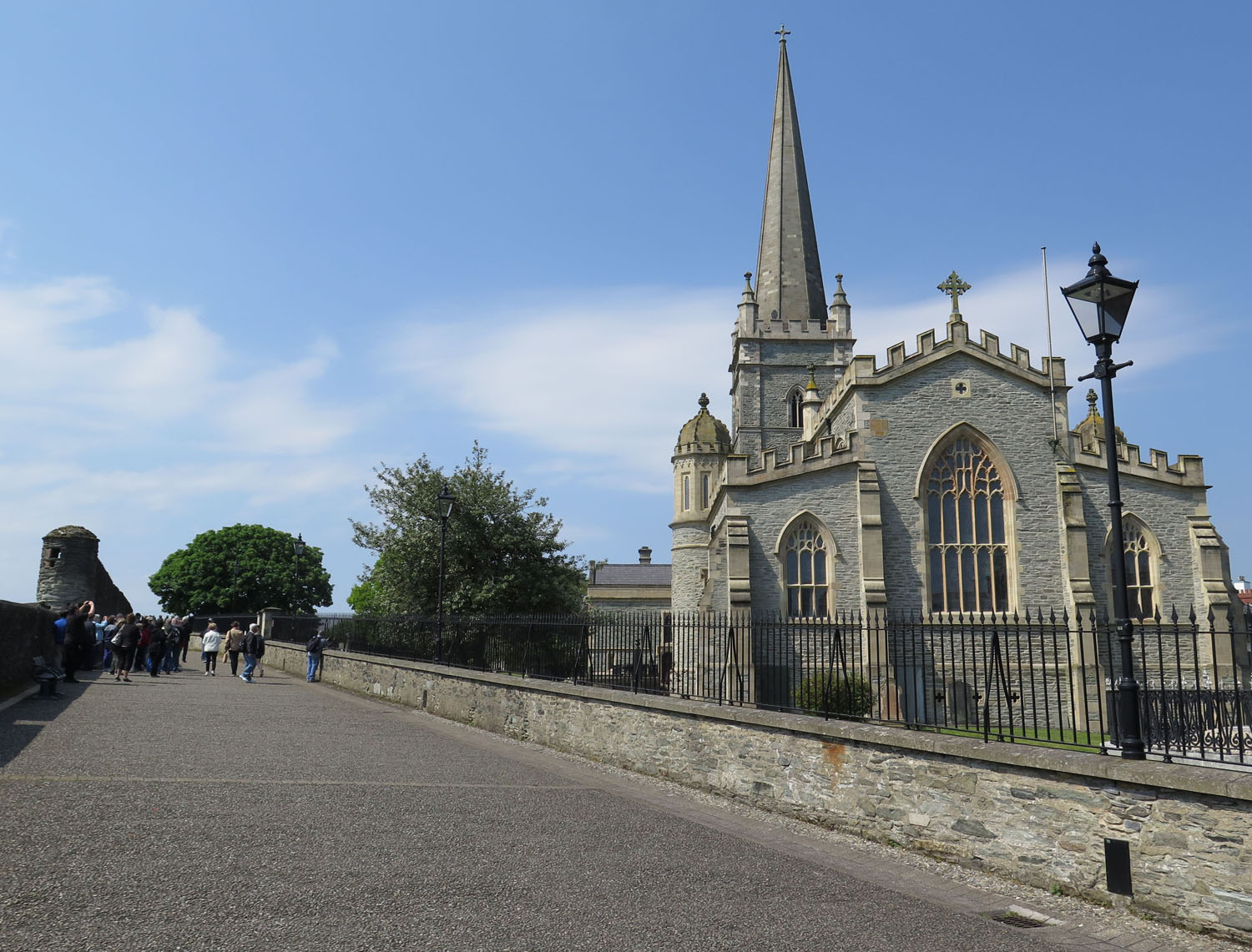 Northern-Ireland-Derry-Londonderry-Saint-Columbs-Cathedral