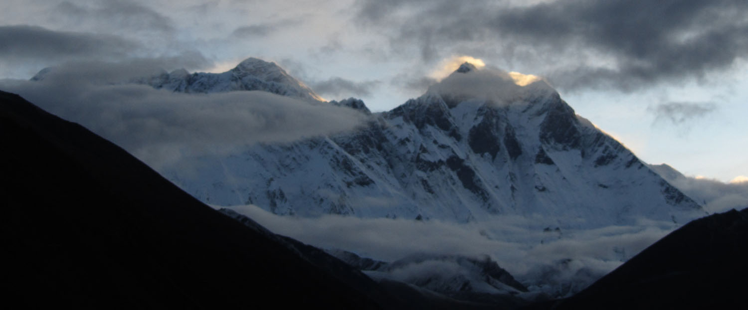 Nepal-Everest-Region-Trek-Day-05-Mount-Everest-Sunrise