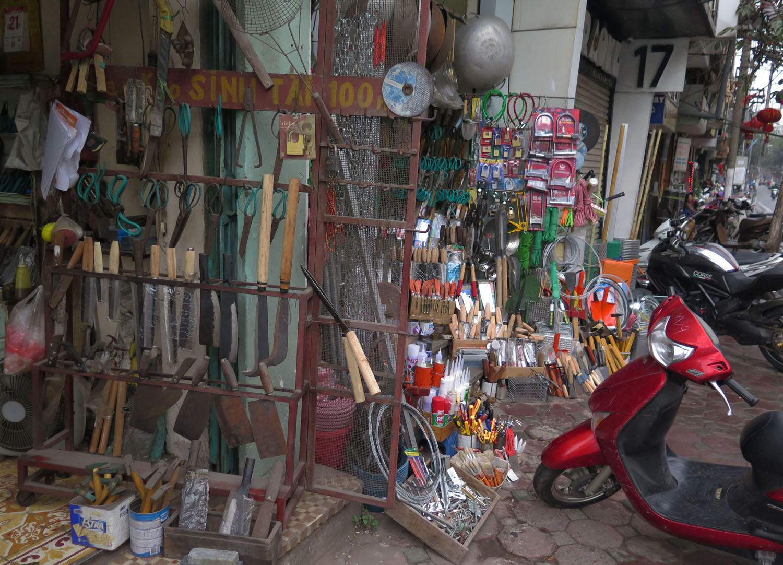 Vietnam-Hanoi-Street-Scenes-Tools