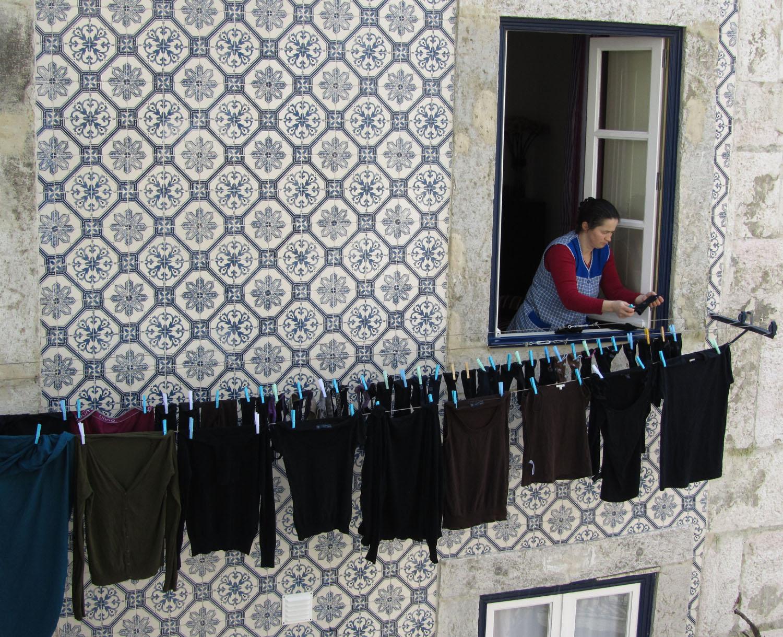 Portugal-Lisbon-Street-Scene-Laundry